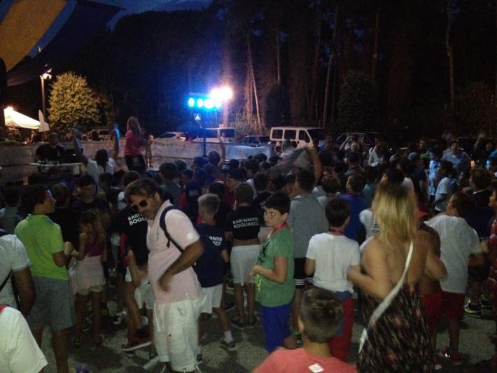 La sera all'HaBaWaBa si fa festa: balli scatenati nel piazzale olimpico