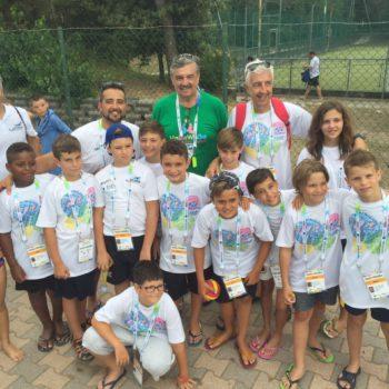 Rudic in posa con la squadra del Latina Aquilotti U9