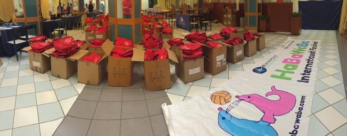 La lunga attesa: negli scatoloni, i kit-regalo per i 1300 partecipanti all'HaBaWaBa 2015