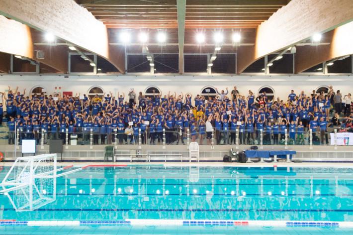 Il pubblico di oggi della piscina olimpica (foto DeepBueMedia)